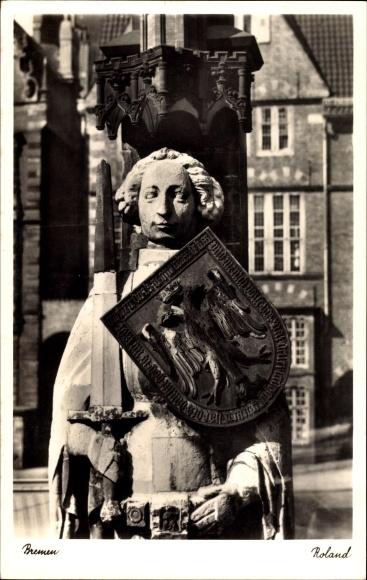 Hansestadt Bremen, Blick auf die Rolandstatue mit Schwert und Schild