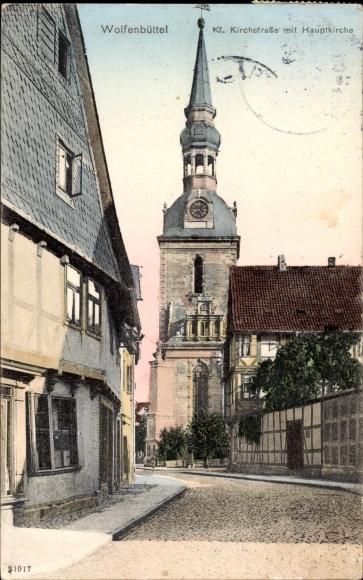 Wolfenbüttel in Niedersachsen, Kleine Kirchstraße mit Hauptkirche