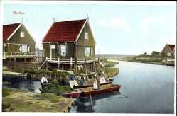 Ak Marken Nordholland, Niederländer, Heutransport im Boot