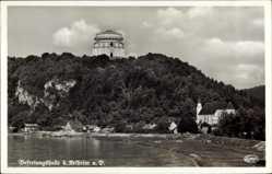Postcard Kelheim an der Donau Niederbayern, Flusspartie mit Befreiungshalle