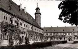 Postcard Seligenstadt Hessen, Blick auf das Kloster, Turm, Rankenbewuchs