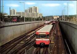 Postcard Nürnberg, Neuselsbrunn, U Bahn, Tunneleinfahrt, Wagen 437, Hochhäuser