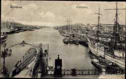 Postcard Hansestadt Bremen, Vogelblick in den Freihafen, Segelschiffe