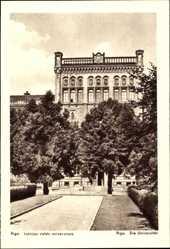 Postcard Riga Lettland, Latvijas valsts universitate, Die Universität