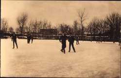 Ansichtskarte / Postkarte Meißen in Sachsen, Schulgarten von St. Afra im Winter, Schlittschuhlaufen