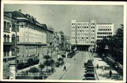 Postcard Belgrad Beograd Serbien, Kraljev trg, Berza, Straßenbahn, Litfaßsäulen