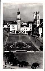 Postcard Banská Bystrica Neusohl Slowakei, Markt, Rathaus, Fontäne, Parkplatz