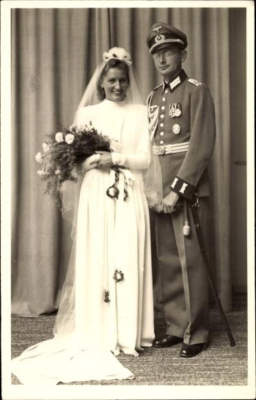 Photo Postcard Deutsche Wehrmacht, Deutscher Soldat in | akpool.co.uk