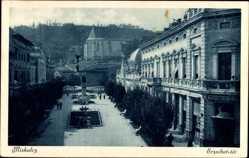 Postcard Miskolc Mischkolz Ungarn, Erzsebet ter, Elisabethplatz, Denkmal