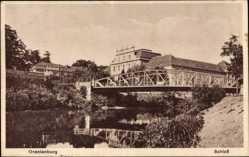 Postcard Oranienburg im Kreis Oberhavel, Flusspartie, Brücke und Schloss