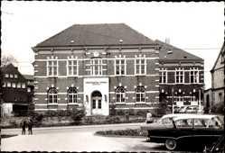 Foto Ak Osterfeld Oberhausen, Verwaltungsstelle, Rathaus, Kinder, Autos