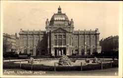 Postcard Zagreb Kroatien, Umjetnicki paviljon, Blick auf ein Gebäude, Fassade