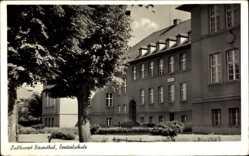 Postcard Biesenthal Barnim, Blick auf die Zentralschule, Fassade, Eingang