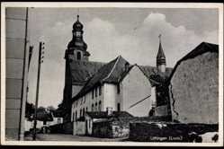 Postcard Ulflingen Luxemburg, Straßenpartie, Ansicht einer Kirche