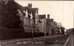 Foto Ak Marlow South East England, West End, view of Borlase School
