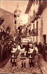 Ak Fuenterrabia Baskenland Spanien, Curieuses processions dans les rues
