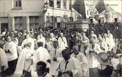 Ak Furnes Westflandern, Procession, Le St. Sacrement