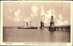 Postcard Konstanz am Bodensee, Salondampfer an der Hafeneinfahrt, Leuchttürme