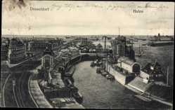 Postcard Düsseldorf am Rhein, Blick in den Hafen, Schiffe, Gleise