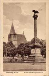 Postcard Strasburg in der Uckermark, Kirche und Kriegerdenkmal