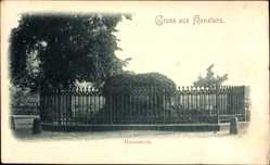 Postcard Konstanz, Blick auf den Hussenstein, Bewuchs, Umzäunung, Pfeiler