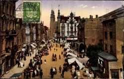 Ak Zabrze Hindenburg Schlesien, Markt mit Ständen, Passanten