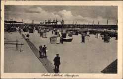 Postcard Ostseebad Ahlbeck Heringsdorf, Strandpartie, Seebrücke, Körbe