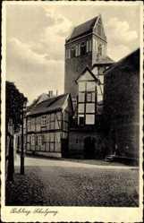 Postcard Perleberg in der Prignitz, Blick zum Schulgang, Fachwerkhaus