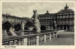 Postcard Rastatt im Schwarzwald Baden Württemberg, Schlossansicht, Statuen