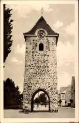 Postcard Zerbst in Anhalt, Blick auf den Turm auf der Breitenstraße, Uhrturm