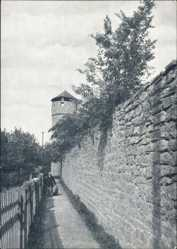 Postcard Kirchhain Hessen, Partie an der alten Stadtmauer mit Hexenturm