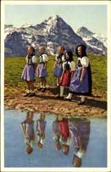 Ak Schweizer Trachten, Berner Oberland, Eiger, Jungfrau