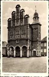 Postcard Meppen im Emsland in Niedersachsen, Straßenpartie mit Blick auf Rathaus