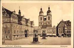 Postcard Lutherstadt Wittenberg in Sachsen Anhalt,Marktplatz mit Stadtkirche St Marien