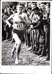 Foto Ak Leichtathlet, Distanzläufer, Nr 492, Autogramm
