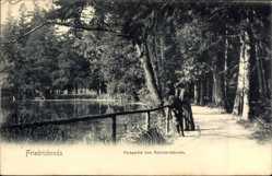 Postcard Friedrichroda im Thüringer Wald, Parkpartie von Reinhardsbrunn