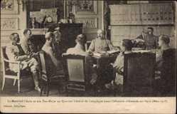 Postcard Marechal Petain et son Etat major au Quartier General de Compiegne, Mars 1918