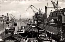 Postcard Neuss in Nordrhein Westfalen, Blick in den Hafen, Hafenkräne, Lastboote
