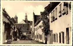 Postcard Augsburg in Schwaben, In der Fuggerei, erste Kleinsiedlung der Welt