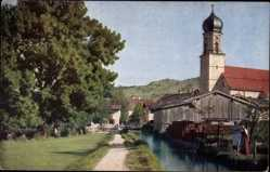 Postcard Oberammergau in Oberbayern, Am Mühlbach, Kirchturm, Novitas 1151