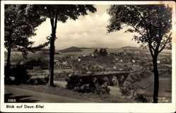 Postcard Daun in der Eifel Rheinland Pfalz, Panorama der Stadt, Burg
