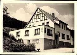 Postcard Finntentrop im Sauerland, kleines Gasthaus am Straßenrand, Hahn