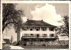 Postcard Amrigschwand Höchenschwand, Blick auf das alte Schulhaus, Straße