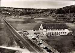 Postcard Eltingen Leonberg im Kreis Böblingen, Blick auf das Hotel Eiss, Felder