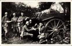 Postcard Deutsche Reichswehr, Nachrichtenwagen der Artillerie, Feldfunker