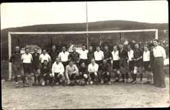 Foto Ak Fußballmannschaft vor dem Tor, Gruppenfoto, WSU, Warendorfer Sportunion