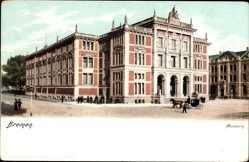 Postcard Hansestadt Bremen, Straßenpartie mit Blick auf das Museum, Kutsche
