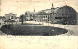 Postcard Hansestadt Bremen, Der Bahnhofsplatz mit Bahnhof, Straßenseite