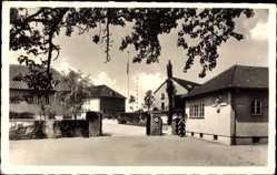 Postcard Schwäbisch Hall in Baden Württemberg, Eingang zu einem Fliegerhorst