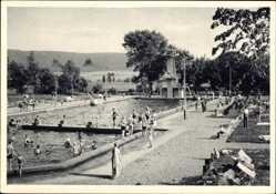Postcard Bad Pyrmont in Niedersachsen, Blick auf das Schwimmbad